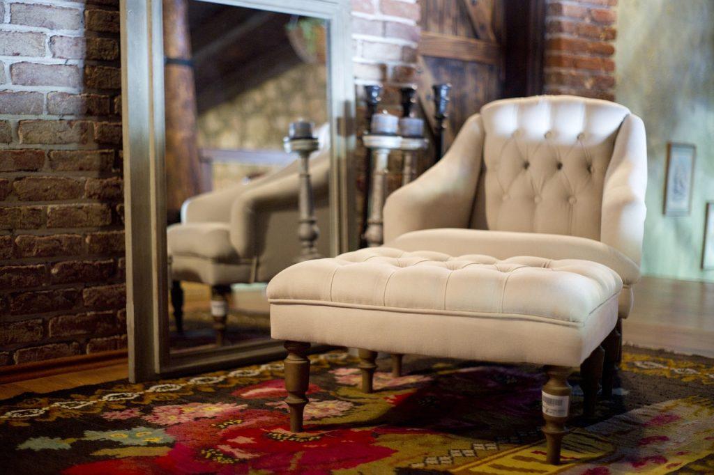 fotel-w-salonie